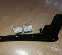 Брызопик правый передний оригинальный на Ниссан Х-Трейл. Артикул 63854-JG000