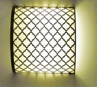 Настенный светильник выполнен из латуни , чеканка- растительный узор. Подходит для размещения в любы...