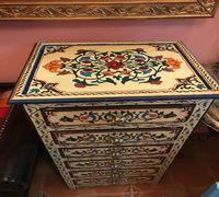 Тумбочка -комод в восточном стиле. Изготовлено полностью вручную в собственной мастерской в Марокко