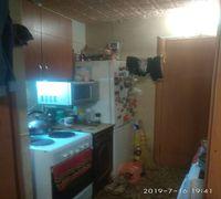 Срочно продам 1 комнатную квартиру.18,6 м.ремонт обычный.есть горячая вода и ванная.в коридоре,кухне...