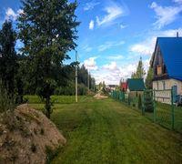Продаётся интересный земельный участок на лесной опушке под Псковом, площадью ровно 25 соток, катего...