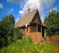 К продаже предлагается отдельно стоящий, добротный жилой дом хуторного типа с баней, с массой хоз.по...