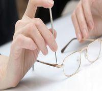 Замена: линз, заушников, носоупоров; Подбор и изготовление очков, ремонт, ультразвуковая чистка очко...