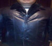 Кожаная зимняя куртка на натуральном меху, норковый воротник. Тёплая , лёгкая , в отличном состоянии...