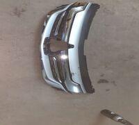 Решетка радиатора Mitsubishi Pajero Sport с 2015-19г., оригинал, есть дефект на фото видно, остально...